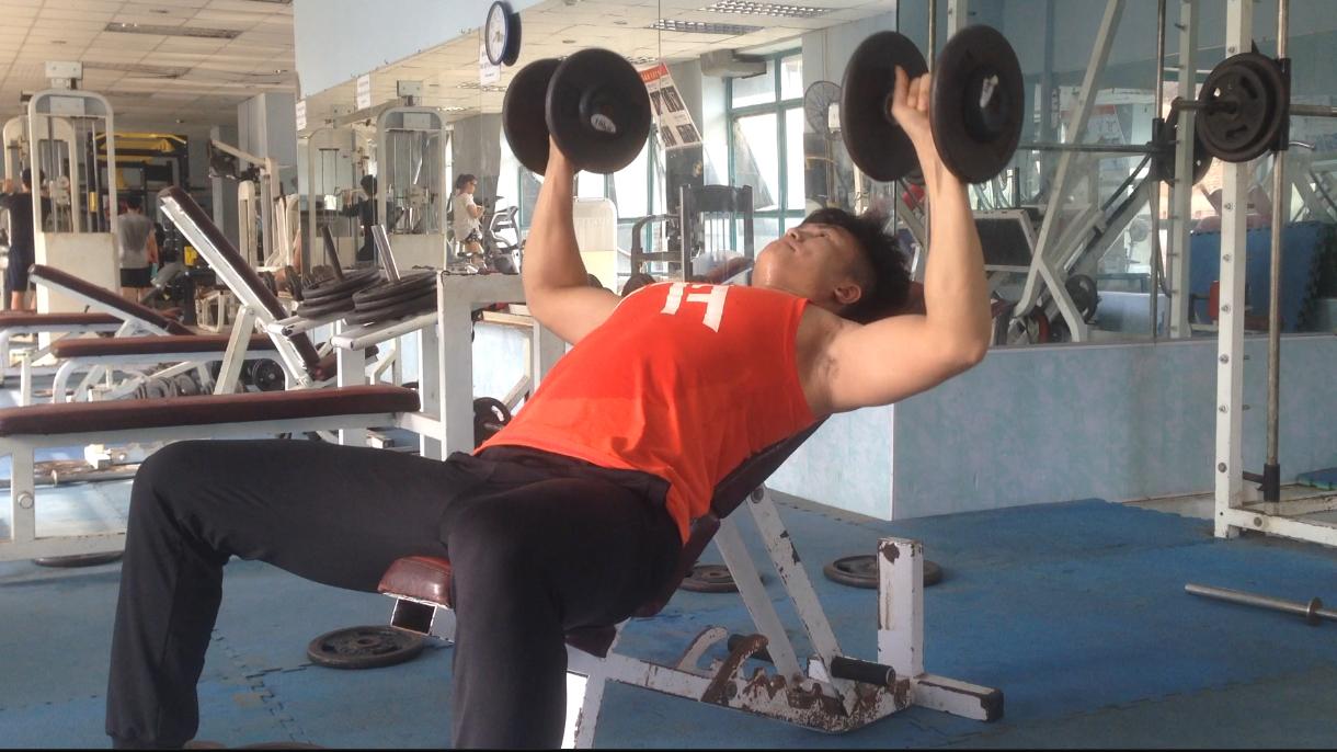 gymhealth chi tiết kỹ thuật và số hiệp 5 bài đẩy ngực cho nam gầy mới tập gym tăng cân, tăng cơ