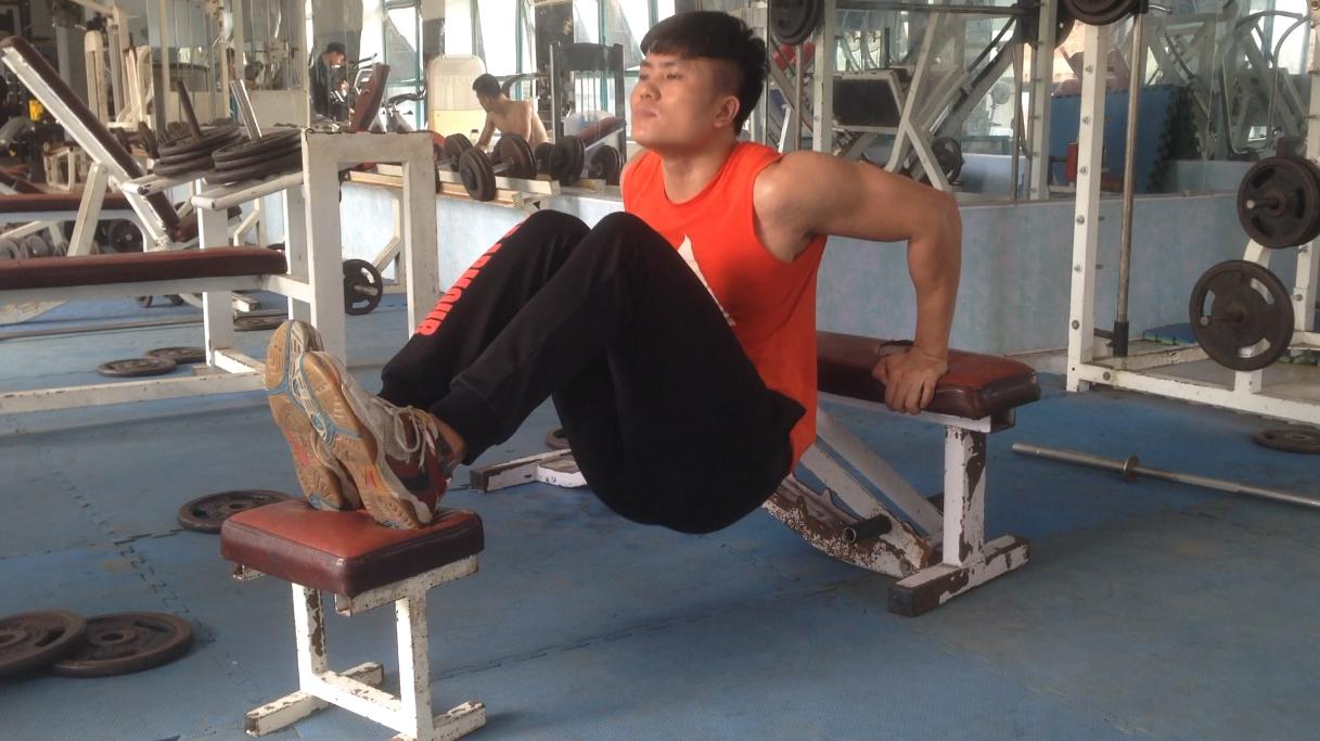 gymhealth Triceps dips giúp tay sau to, chắc khỏe tự nhiên cho nam gầy tập gym tăng cân, tăng cơ